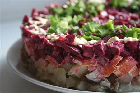 Σαλάτα-με-ρέγγα-και-λαχανικά.